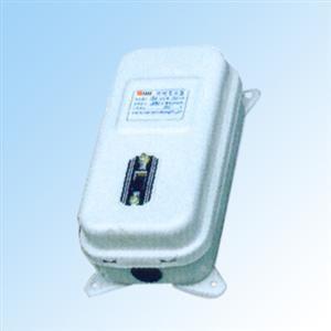 接线柱,并有供接地用的接地螺钉;bz型照明变压器是由